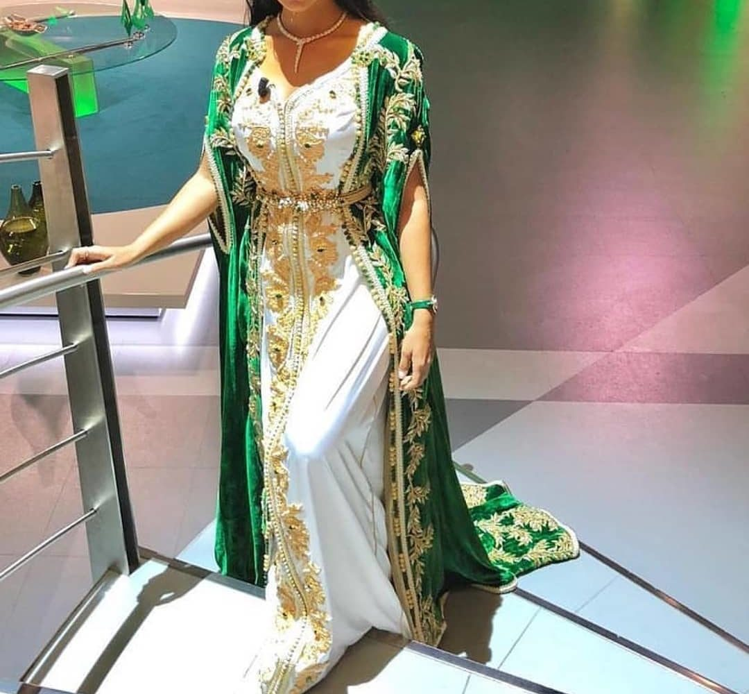 Takchita et Caftan marocain 2019 pour mariées - Caftans Marocains cefc24fa9e2