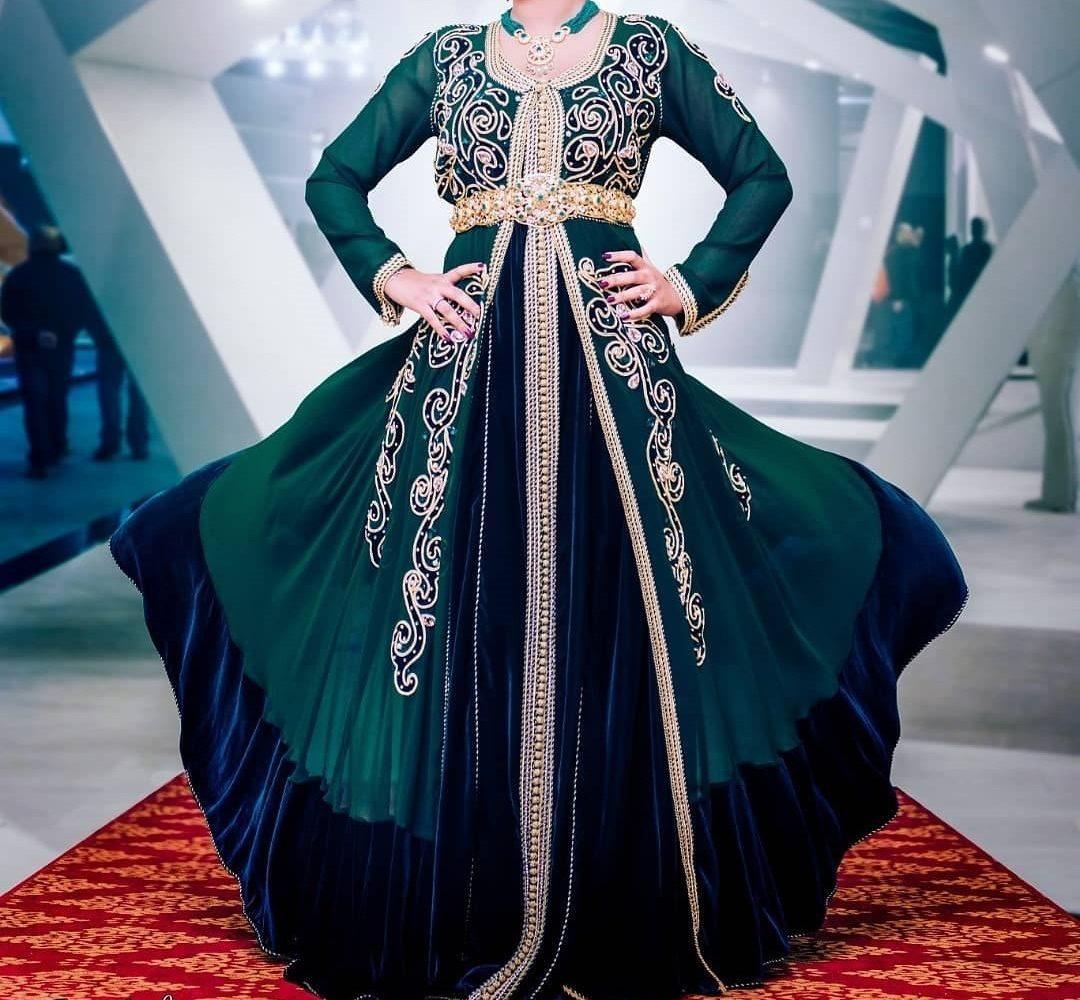 bd0222b516d Louer en ligne une robe caftan moderne 2019 - Caftans Marocains
