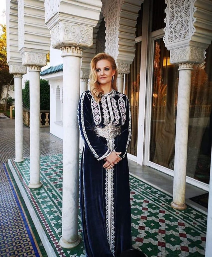 Takchita marocaine moderne pour mariée